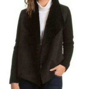 Chelsea & Theodore | Black Fur Collar Sweater | M